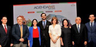 Panelistas del Foro Institucionalidad democrática
