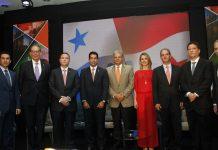 """Foro """"Retos y oportunidades para un crecimiento económico competitivo"""""""