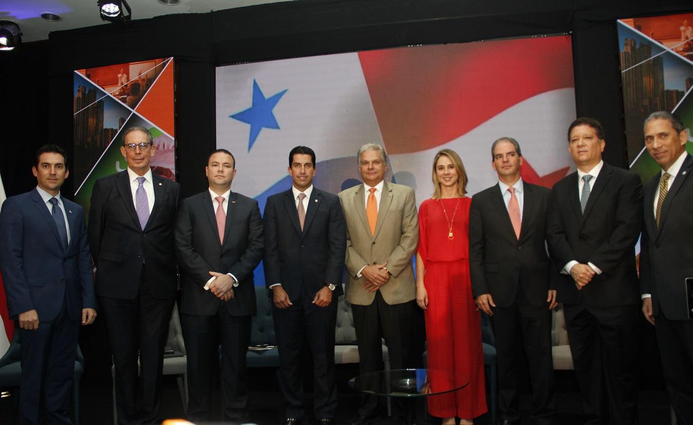 CCIAP realiza foro económico y firma convenio con el TE para debate presidencial