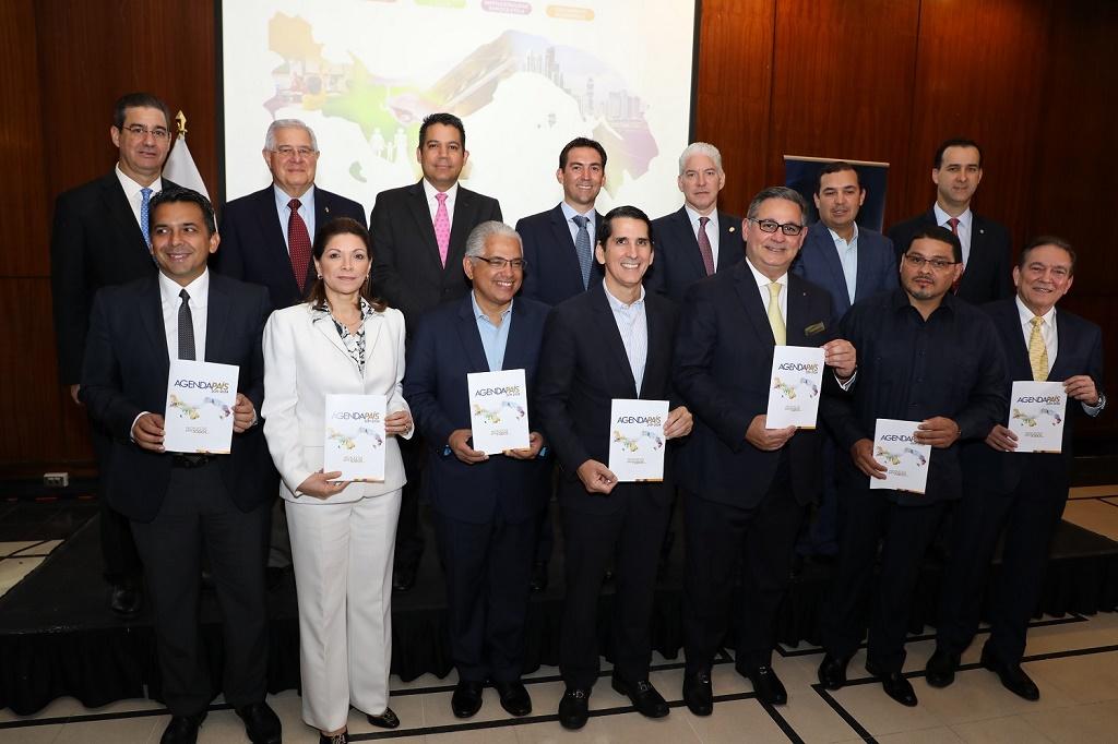 candidatos presidenciales reciben documento Agenda País